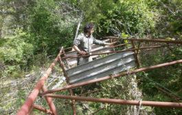 Altane nel bosco: I Guardiaparco dei Castelli Romani smantellano le strutture abusive