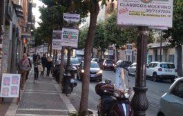 Gonfaloni pubblicitari, un paesaggio urbano da salvaguardare