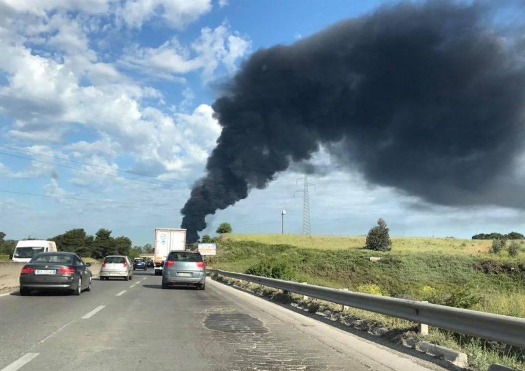 Dall'incendio della Eco X  a quello del capannone di Ariccia,  i rischi per la salute
