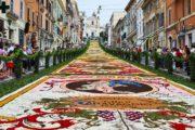 L'INFIORATA DI GENZANO DI ROMA: 240 ANNI DI STORIA, ARTE E TRADIZIONE Oltre 350.000 i fiori impiegati su una superficie di 2.000 metri quadrati