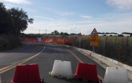 Ardeatina chiusa, il traffico pesante passa sulla Nettunense e sulla via Appia