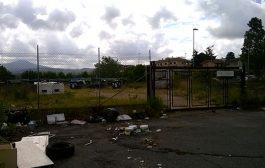 Marino: sacchetti abbandonati, il dilemma della raccolta differenziata