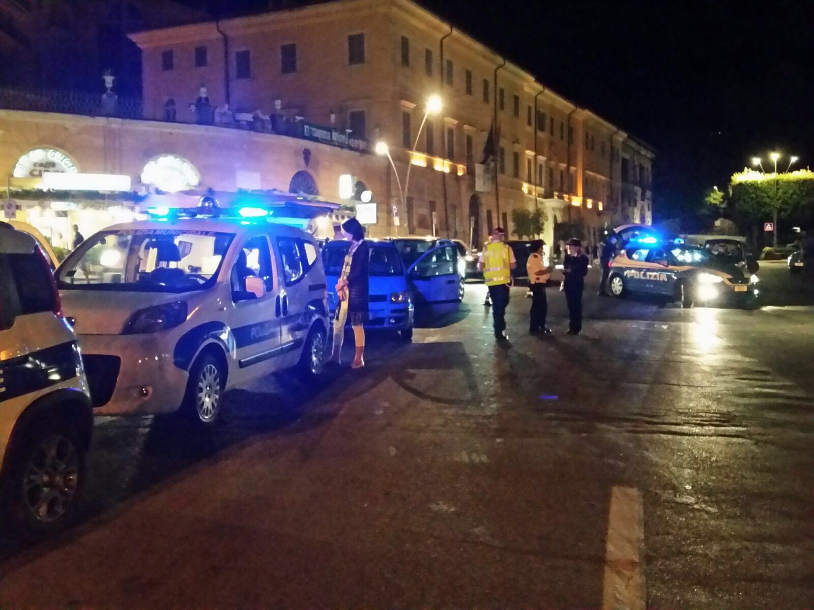 Foto interventi serali in Piazza Marconi