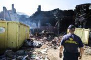 Brucia la città, le conseguenze del rogo di plastica dell'Eco X