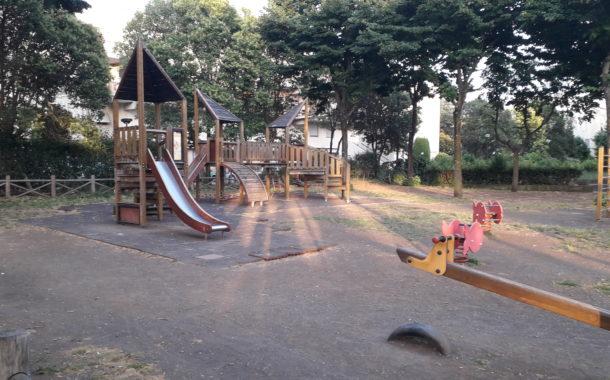 Pavona: la cittadinanza chiede il ripristino dell'area giochi a Via Roma