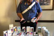 Marino, banda di ladri fa razzia di smartphone in un megastore. Arrestato 26 enne