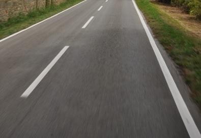 Rifatto il manto stradale su Via Trento a Pavona